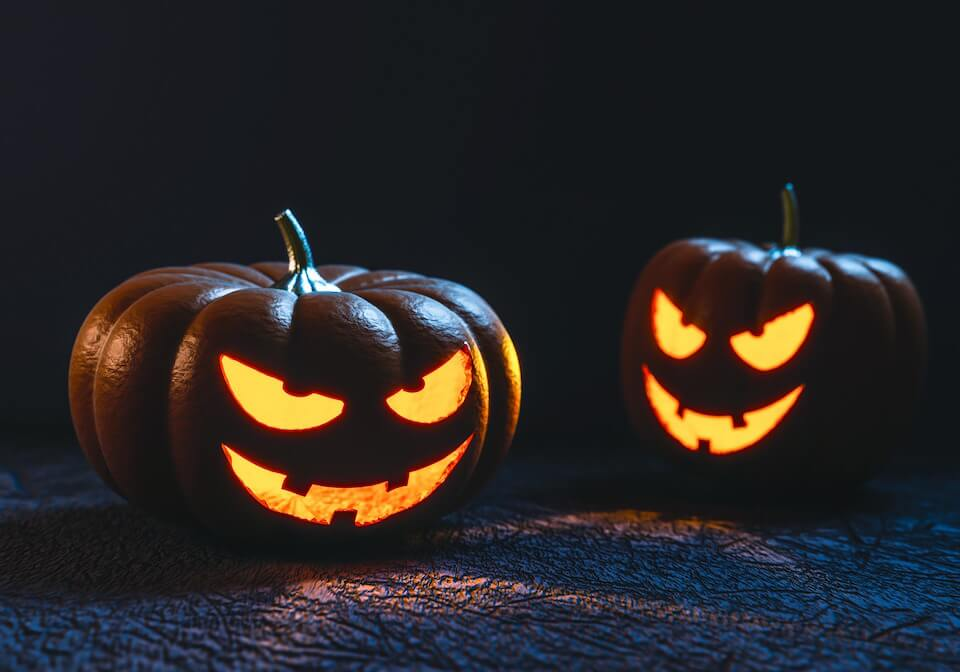 Eradium Halloween Ecommerce Marketing Blog Pumkins Feature Image