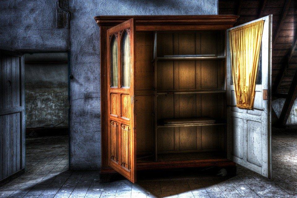page footer like a closet photo